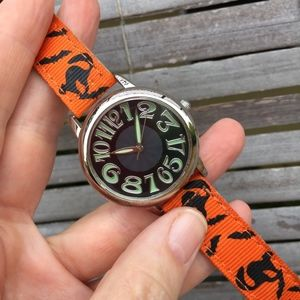VINTAGE . GLOW IN THE DARK HALLOWEEN WATCH